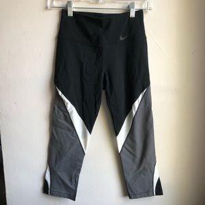 Nike Multicolor Dri-Fit Cropped Leggings